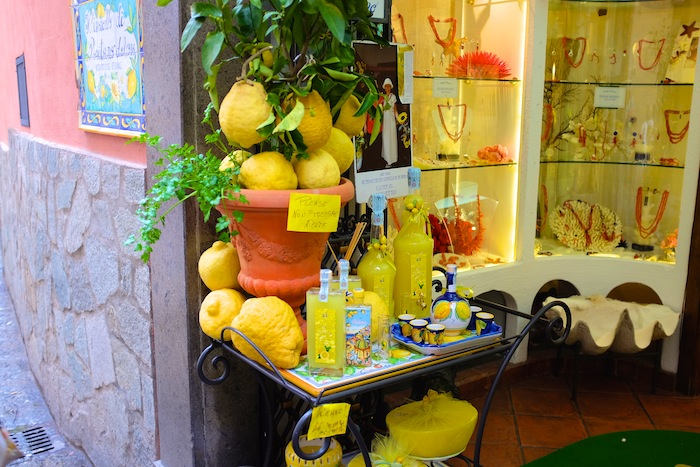 Lemons, lemons everywhere! The size of footballs, honest to God.